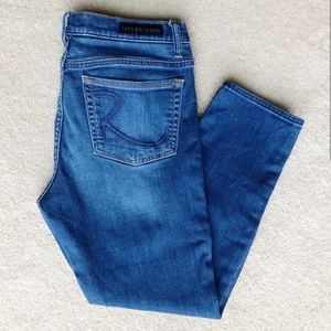 Rock and Republic straight leg cropped jean